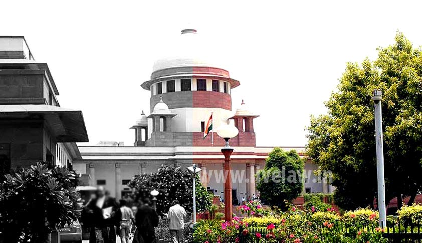 Woman lawyer consumes poison in Supreme Court, alleges inefficiency of the system to deal with her gang-rape