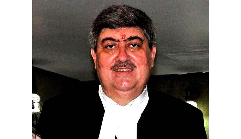 Madras HC lawyers raise slogans against Chief Justice Sanjay Kishan Kaul; ask him to go back to Kashmir or Delhi