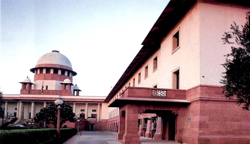 Scribes shall not get too close to judges dais; should show restraint while reporting observations: SC