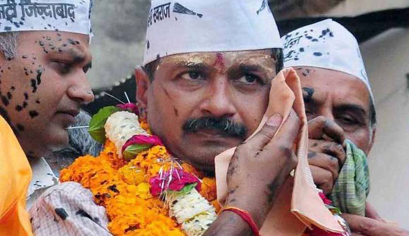 SC Stays Summons To Kejriwal, Kumar Vishwas From UP Court