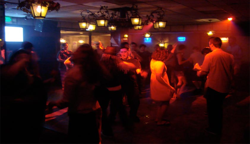 Dance bar: SC notice to Maharashtra  Govt on new conditions
