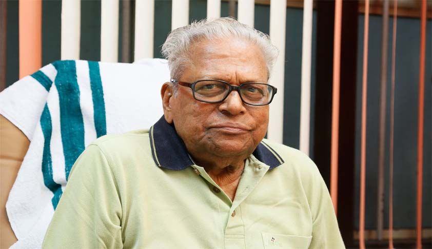 PIL in Kerala HC against appointing VS Achuthanandan as Chairman, Administrative Reforms Commission [Read Petition]