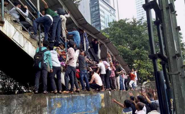 Bombay HC Appoints Advocate Zal Adhyarujina As Amicus Curiae In Elphinstone Stampede Case