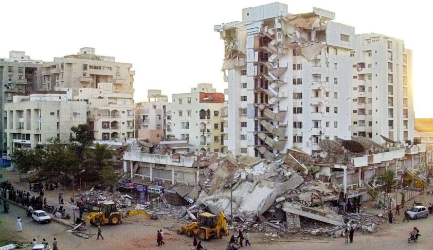 Section 304 IPC Not Attracted Against Builder For The Death Occurred Because Of Building Collapse During Earth Quake, SC Dismisses Plea Of Man Whose Family Members Got Killed In Gujarat Earthquake