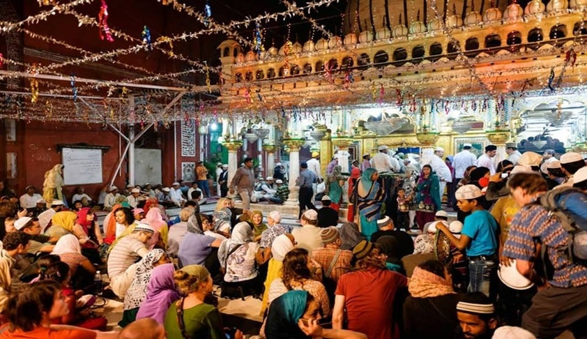 Delhi HC Issues Notice On PIL Seeking Entry Of Women Into Nizamuddin Dargah [Read Petition]