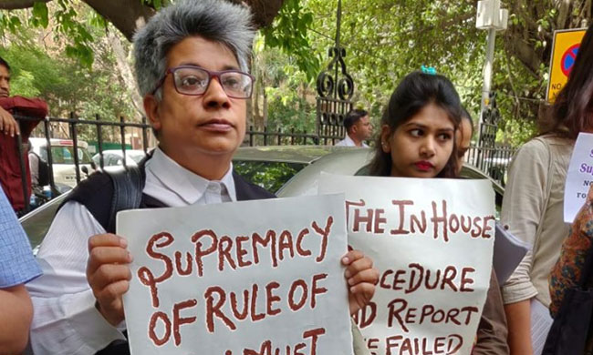 Women Protest Outside SC Against Clean Chit To CJI In Sexual Harassment Case