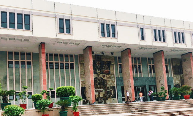 Attachment Of Pension Account By The IT Dept: Delhi HC Directs IT Dept To Consider The Representation Of The Debtor [Read Order]
