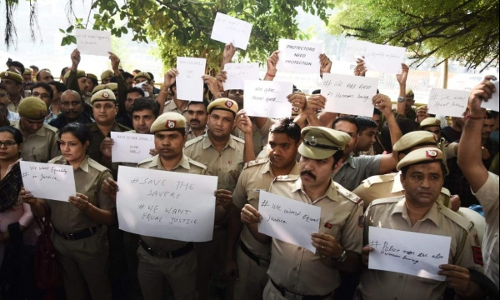 Tis Hazari Clash : Cancel Licenses Of Lawyers Who Were Part Of Violence, Demands IPS Association [Read Resolution]