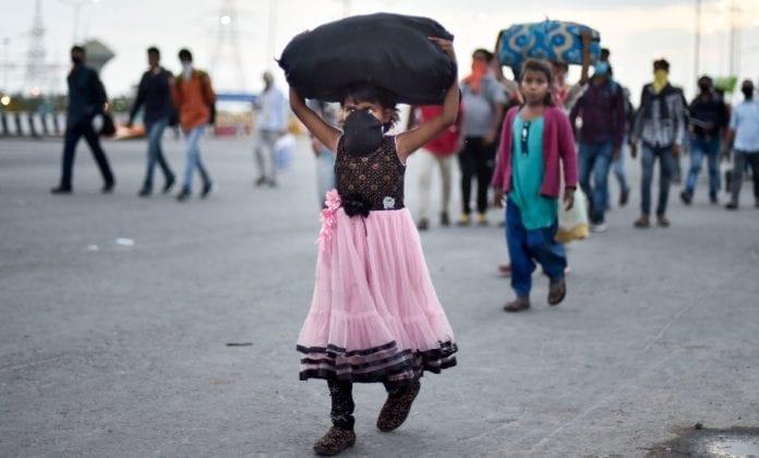 Migrant Workers Case : SC Pulls Up Delhi & Maharashtra For Not Filing Affidavit Showing Compliance Of Welfare Statutes [Read Order]