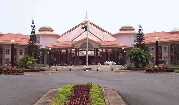 SC Issues Notice On Plea To Direct Goa Assembly Speaker To Decide On Disqualification Of 10 MLAs