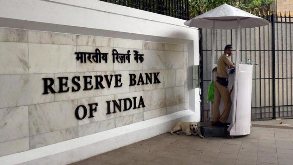 Be Quick In Reacting In This Matter: Delhi High Court Tells Centre, RBI In Plea For Regulation Of Online Lending Platforms