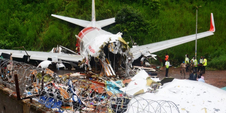 PIL Filed In Kerala HC Demanding Independent Inquiry Into  Kozhikode Plane Crash And Closure Of Airport  [Read Petition]