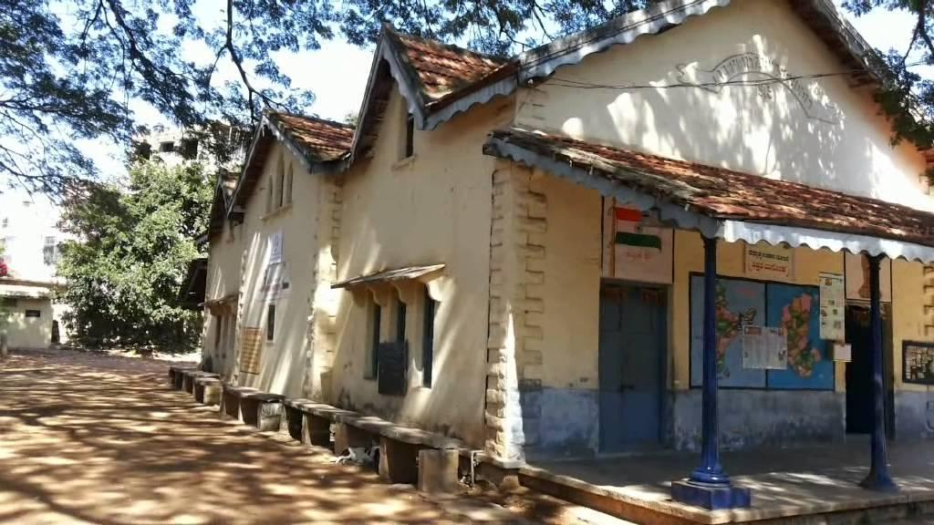 37% Govt Schools Have No Girls Toilet; No Safe Drinking Water In 40% : Report Before Karnataka HC