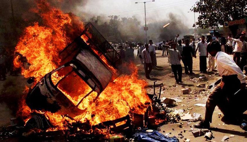 Breaking : SC Directs Gujarat Govt To Pay Rs 50 Lakh Compensation & Provide Govt Job To Gujarat Riot Gang Rape Victim